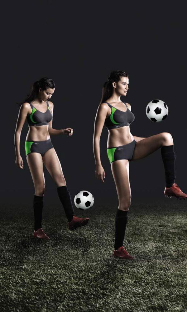 חזיית ספורט לאחר הגדלה